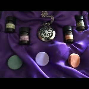 New In Box Essential Oil Necklace Pendant Lavendar
